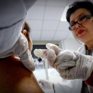 """Vigili urbani all'asilo nido nel Torinese per bloccare la bambina No Vax: """"Vostra figlia deve stare fuori"""""""