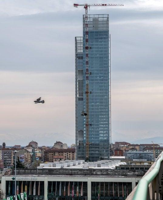Grattacielo fuksas la grande incompiuta della regione for Grattacielo torino fuksas