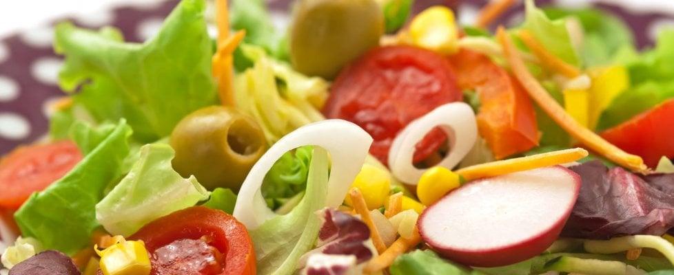 """In primavera scocca l'ora del """"detox"""": si parte con l'insalata, tra ravanelli e """"girasoli"""""""