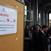 """Surreali cartelli all'Università di Torino: """"Vietato consumare coriandoli"""""""