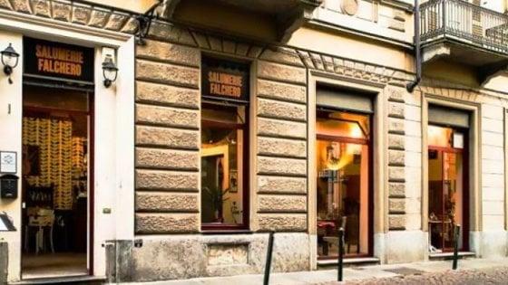 Torino In 17 Allospedale Dopo La Cena Denunciato Ristoratore Del