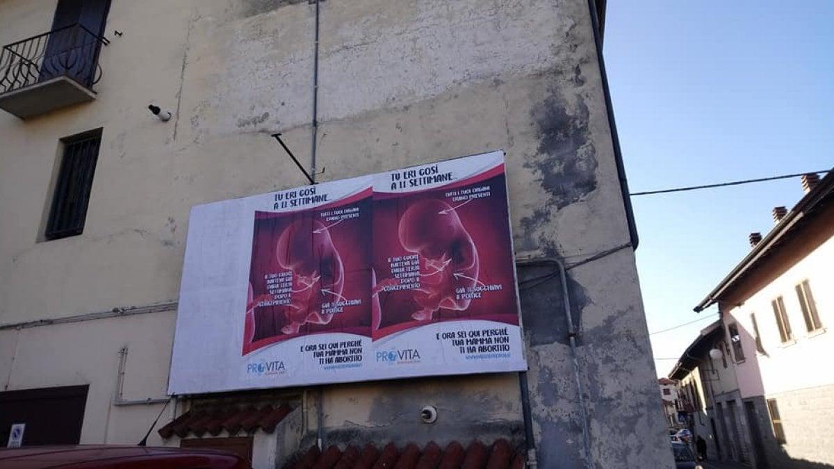 Aborto affisso in provincia di biella il manifesto contro la legge rimosso a roma dalla sindaca - Aste immobili biella ...