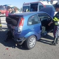 Tamponamento a catena sulla tangenziale di Torino: donna ferita, lunghe