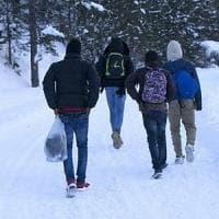 Bardonecchia, migrante si perde nella neve, salvato dai vigili del fuoco