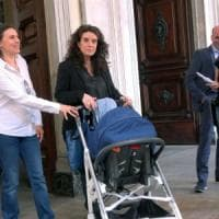 L'anagrafe di Torino registra il figlio di due madri, è la prima volta