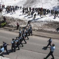 Torino, rilasciati tre antagonisti italiani fermati per gli scontri al confine