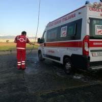 Torino, sassi contro l'ambulanza che soccorre un paziente al campo nomadi