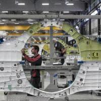 Cameri, nella fabbrica degli F35 la protesta dà i suoi frutti: a giugno