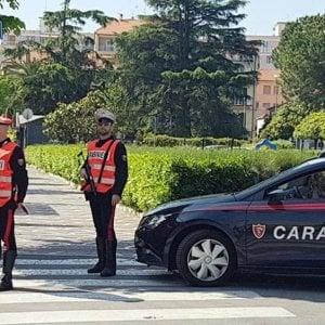 Caccia in Liguria ai banditi che hanno preso in ostaggio due bancari nel Cuneese