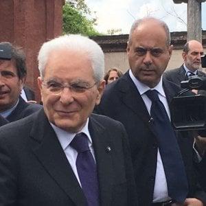 """Mattarella, l'elogio a Einaudi è un ultimatum a M5s e Lega: """"Il presidente non è un notaio. Nominare premier è fra le sue prerogative"""""""