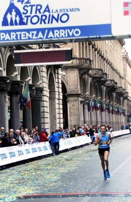 Ottomila in corsa per la Stratorino: vince Ferrato