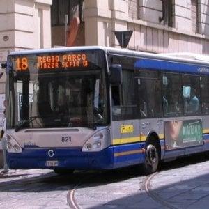 Torino, molesta una ragazza sul bus: denunciato 75enne