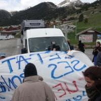 Migrante morta, blocchi di protesta dei