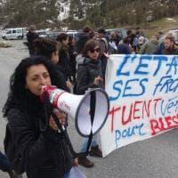 Migrante morta, manifestazione al confine con la Francia