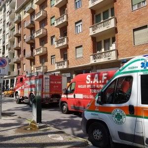 Torino, tecnico  precipita  dalla tromba dell'ascensore che stava riparando e muore