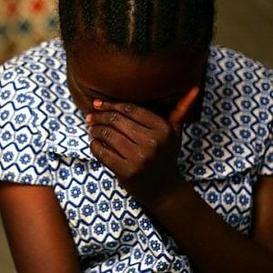 Torino, sequestrano e violentano per ore una giovane nigeriana: due arresti