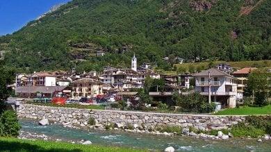 Piemonte, il paesino di Locana non vuole sparire: bonus di 9mila euro alle famiglie che si trasferiscono lì