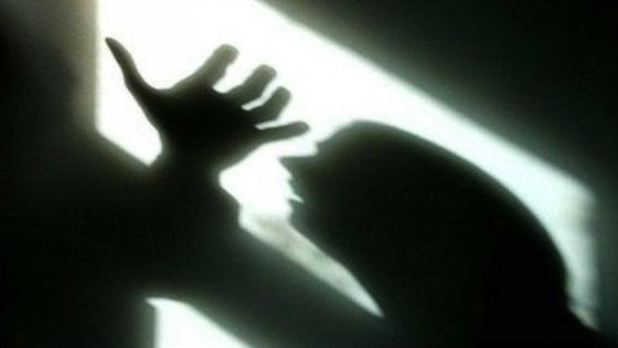 Torino, bidella d'asilo picchia e maltratta il marito: chiesta la condanna a due anni e 8 mesi