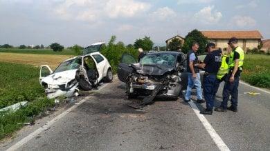 Orbassano, scontro frontale tra due auto, muore una donna