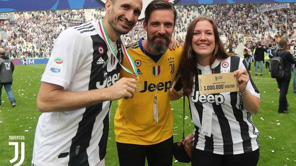 Juventus: è Linn, tifosa svedese, il milionesimo visitatore del JMuseum nel giorno dello scudetto