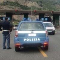 Rocambolesco inseguimento sull'autostrada Torino - Cuneo per un passeur