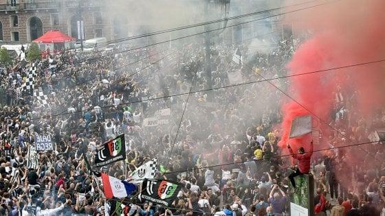 Torino, banda dello spray urticante in azione anche alla festa scudetto Juve: un arresto