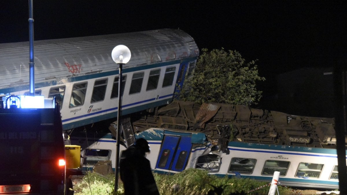Due vittime, venti feriti. È il bilancio definitivo dell'incidente ferroviario