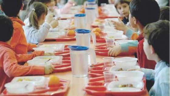 Torino: mense scolastiche, tutti contro la sindaca. A giugno si rivedono tariffe