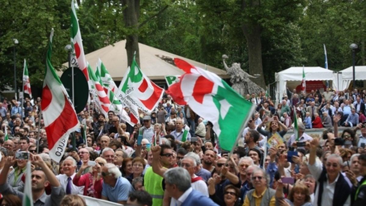 Ladri alla festa de l 39 unit di settimo rubati 6700 euro for Carretta arredamenti torino