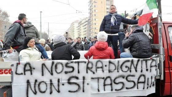 """Torino, salta il maxiprocesso ai """"Forconi"""". Un imputato: """"Favorevoli al nuovo governo, abbiamo spinto per averlo"""""""
