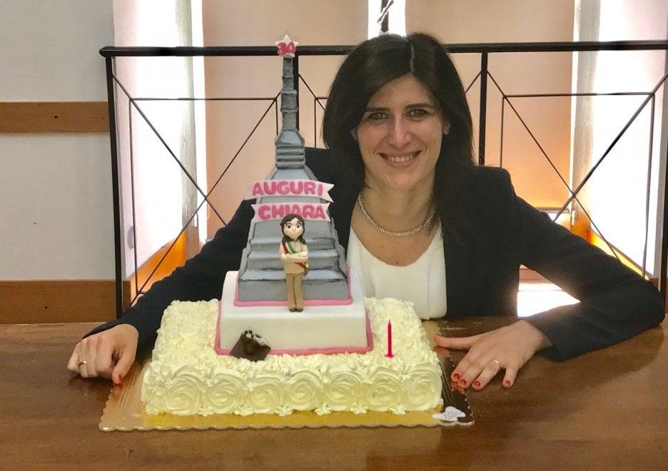 Torino, festa a sorpresa per il compleanno della sindaca