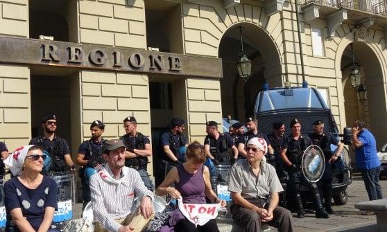 Tav, Lega e M5S snobbano la convocazione di Chiamparino. Pochi i manifestanti No Tav