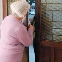 Torino, truffavano gli anziani spacciandosi per controllori del gas: cinque