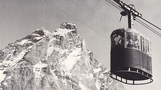 Val d'Aosta, il giallo dello sciatore restituito dal ghiacciaio dopo 60 anni: appello della polizia per dargli un nome