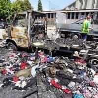 Torino, ipotesi di strage per l'incendio di un camper dove vivevano sette