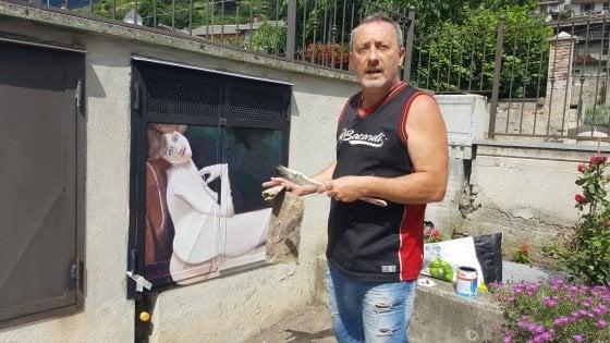 """Spunta il ritratto di una prostituta nel concorso pittorico """"antichi mestieri"""": censura e polemiche nel Torinese"""