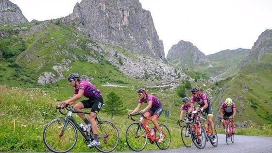 """Cuneo, 2.600 ciclisti alla partenza della granfondo """"Fausto Coppi"""""""