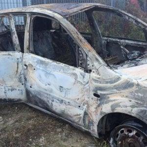 Cuneo, arrestato un boscaiolo per l'omicidio del pensionato trovato carbonizzato in auto