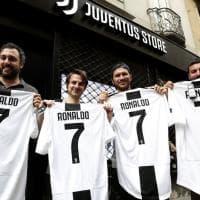 Torino, 150 euro a pezzo: la maglia