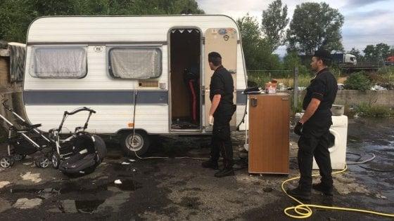 Torino, tensioni e denunce durante un controllo dei vigili al giardino dei nomadi