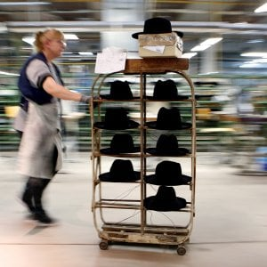 "Borsalino pronta a sbarcare in Borsa: ""Educheremo la Cina all'uso del cappello"""
