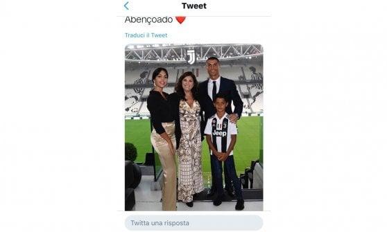 Torino ronaldo gi di casa allo stadium fa la foto di for La casa di ronaldo a torino