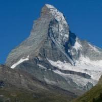Due alpinisti precipitano e muoiono mentre scendono dal Cervino