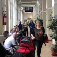 Torino, quattro ore per una carta d'identità: la mia odissea tra i dannati
