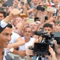 Juve, rischio folla per Ronaldo a Villar Perosa: ipotesi trasloco allo Stadium