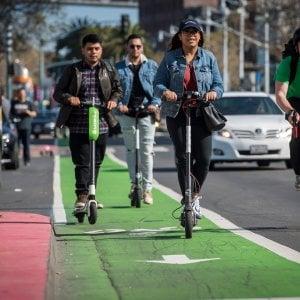 Torino, dopo il bike sharing ecco i monopattini elettrici per tutti