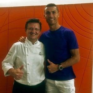 Ronaldo, prima cena fuori nel Torinese (con un goccio di Barbaresco)