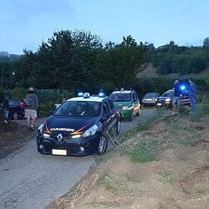 Caporalato a Cuneo: carabinieri scoprono 17 lavoratori in nero, quattro sono minorenni
