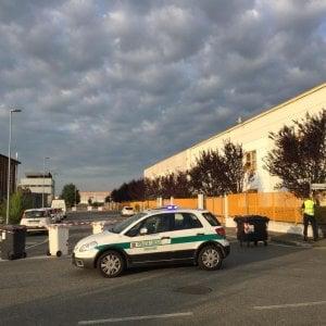 Autocisterna perde acido, scatta l'allarme ambientale a Orbassano