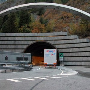 Aosta: dà un passaggio a coppia di migranti contattata su BlaBlaCar, condannato come passeur